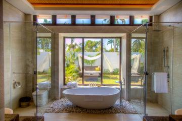 Bathroom for Garden, Beach and Ocean Pool Villa.