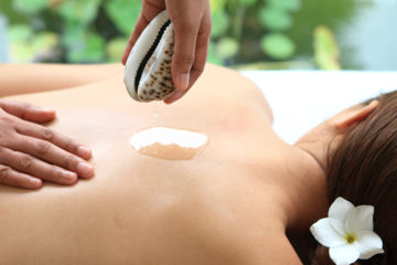 Kandaya's Cowrie Shell Massage