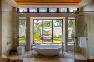 Bathroom for Garden, Beach and Ocean Pool Villa.